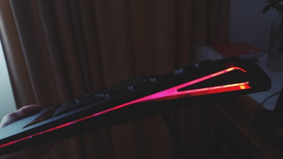 40-tastatura-hp-omen-cu-steelseries