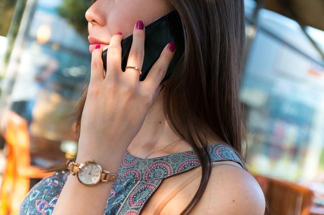 smartphone woman