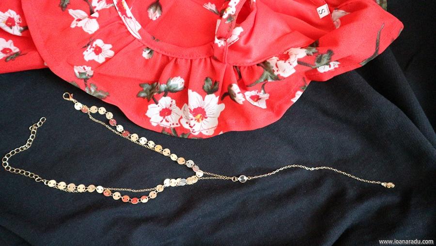 rochie si choker auriu chicuu