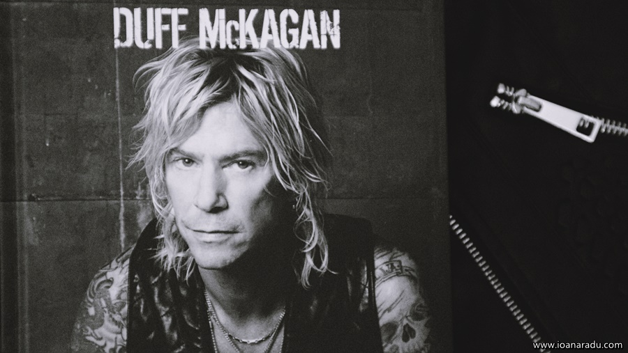 It's so easy... si alte minciuni Duff McKagan cartefoto3