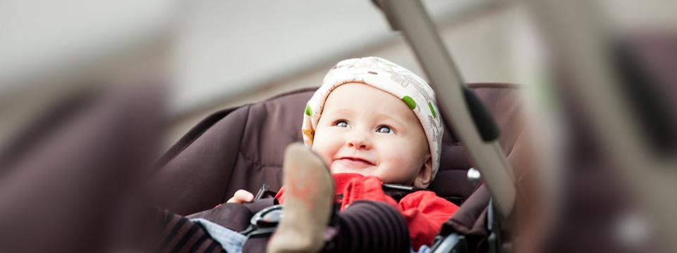 Comunică mai mult cu cel mic şi alege un cărucior cu landoul orientat spre tine!