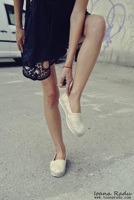 03 OOTD all black espadrile Monti Shoes