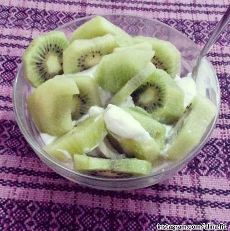 iaurt-cu-kiwi-photo-by-alina-dima