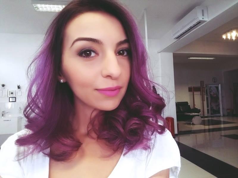 ioana-radu-pink-hairstyle