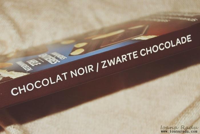 Ciocolata amaruie cu migdale intregi Carrefour 03