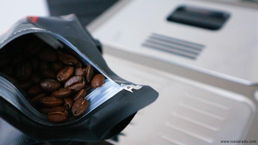 De'Longhi PrimaDonna Elite & cafea boabe premium Bourbon Rosado BlackCoffee Targoviste