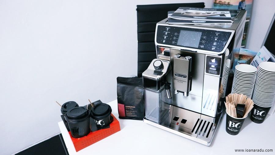 espressor profesional De'Longhi PrimaDonna Elite si cafea boabe premium Bourbon Rosado BlackCoffee Targoviste