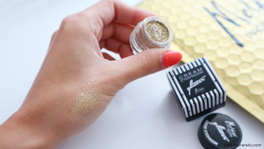 Cream Eyeshadow Glitter Golden Girl Melkior Professional fard cremos cu sclipici auriu swatch
