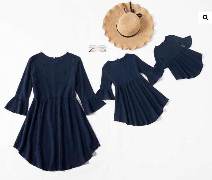 rochie asimetrica cu maneci tip clopot